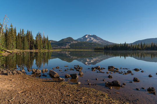 Sparks Lake, Oregon, on a sunny summer day