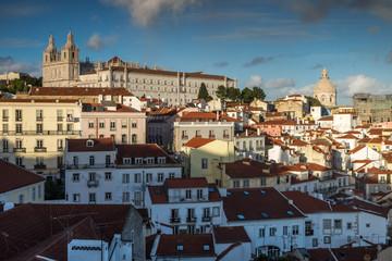 Eglise de Sao Vicente de Fora ,Quartier d' Alfama depuis Santa Luzia, Ville de Lisbonne , Portugal