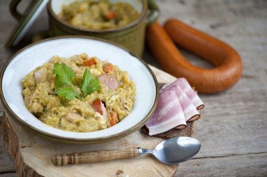 erwtensoep, pea soup, traditional dutch cuisine , dutch pea soup