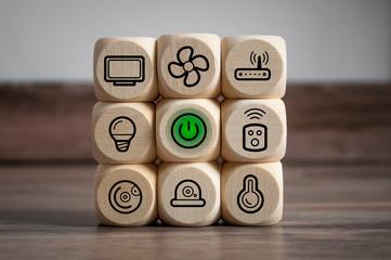 Würfel mit smarthome symbolen