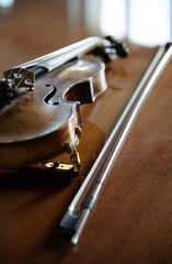 violin on wood