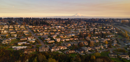 North Tacoma Residential Homes on Hillside Mount Rainier