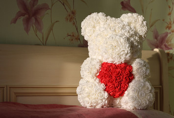 bear of roses with heart
