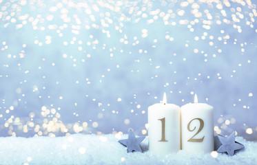 2. Advent Hintergrund Himmel blau Bokeh Kerzen Sonntag