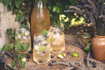 Limonade à la Lavande et Myrtilles pour l' été