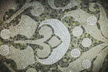 Détails intérieur de l'hôpital Sant Pau à Barcelone, murs en mosaïques
