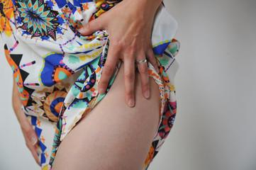 bodypart oberschenkel taille po hintern frau weiblich