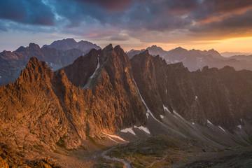 Fototapeta Zachód słońca widoczny z Lodowej Przełęczy ,Wysokie Tatry. obraz