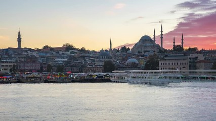 Wall Mural - Istanbul skyline time lapse, Istanbul cityscape skyline with view of Suleymaniye Mosque in Istanbul, Turkey day to night timelapse 4K