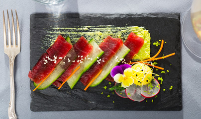 Tuna carpaccio with avocado sauce