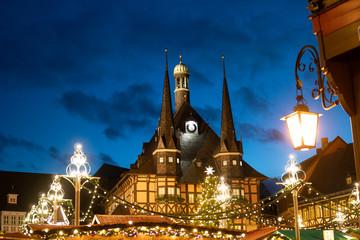 Abends auf dem Weihnachtsmarkt im Harz Wernigerode