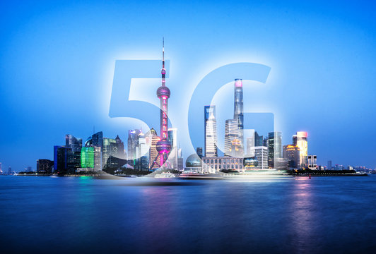 5G icon with city skyline
