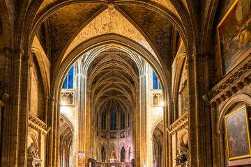 Fototapete - Intérieur de la Cathédrale Saint-André à Bordeaux en Nouvelle-Aquitaine, France