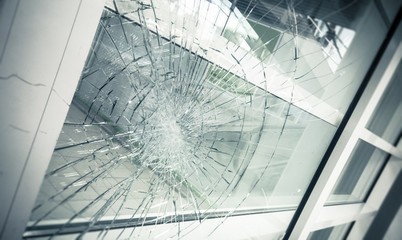 Fototapeta broken facade window glass obraz