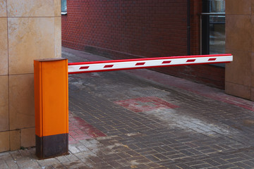 The car park barrier, the automatic entry system