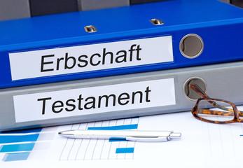 Erbschaft und Testament, zwei Ordner mit Beschriftung im Büro
