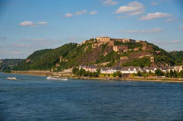 Die Festung Ehrenbreitstein bei Koblenz am Rhein
