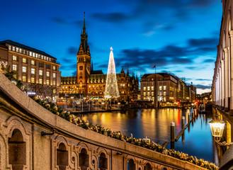 Weihnachtsmarkt in Hamburg, Rathaus