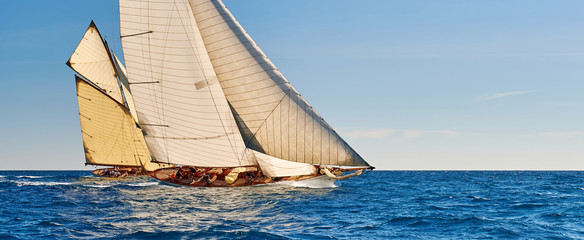 Papiers peints Navire Sailing yachts race. Yachting