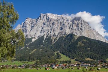 Ehrwald mit Zugspitze