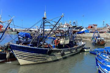 Blaue Fischerboote im Hafen, Essaouira, Marokko, Afrika