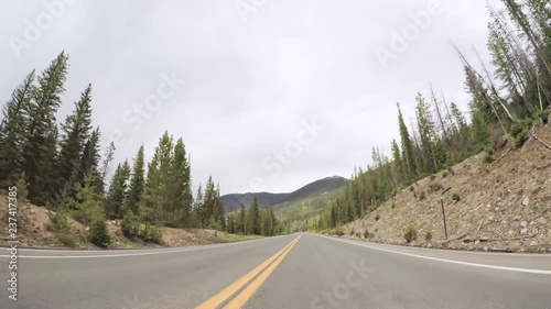 Wall mural Driving on paved road in Rocky Mountain National Park