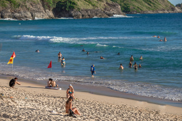 Laem Sing Beach-Phuket: 20 September 2018,many tourists (families with children,couples,solo travelers, foreigners)come to play in the sea during the holiday season.In the Naiharn area,Patong,Thailand