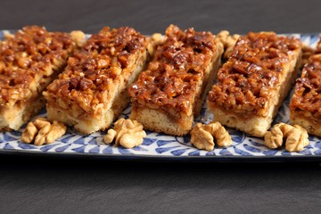 Cake with walnuts.