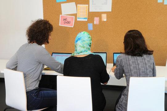 Frauen am Computer