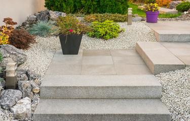 Vorgarten Steingarten Außentreppe aus Granit - Front Garden Stone Garden granite external Staircase