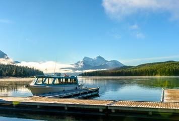 Sunny day cruise at Maligne Lake