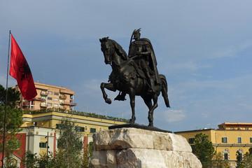 Skanderbeg-Denkmal in Tirana, Albanien