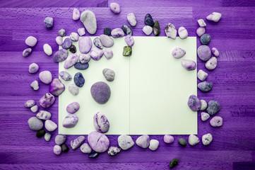 frame of sea stones