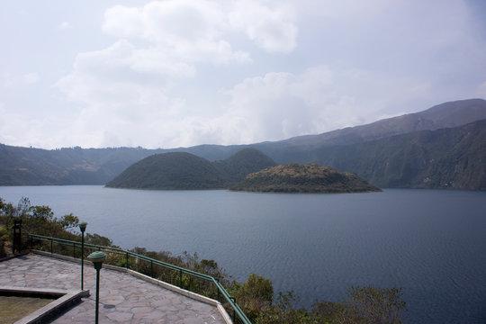 Laguna de Cuicocha, vicino a Otavalo (Ecuador)