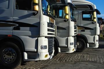 Obraz Samochody ciężarowe - fototapety do salonu