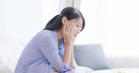 depression woman think something