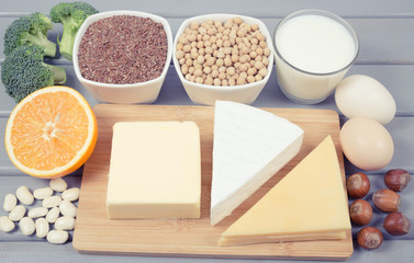 Food products containing a large amount of calcium.