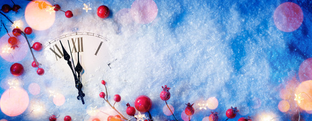 Wall Mural - Waiting Midnight - Happy New Year With Clock And Berries On Snow