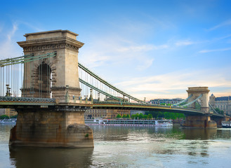 Fototapete - Chain bridge on Danube
