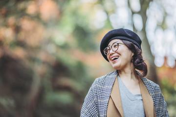 笑顔のアジア女性