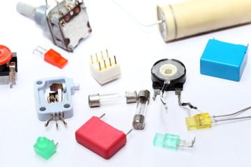 mehrere elektronische Bauteile