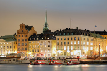 Wall Mural - Scenic of the Old Town (Gamla Stan) architecture pier in Stockholm, Sweden