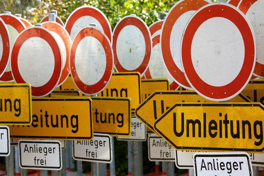 Verkehrsschilder Durchfahrt verboten