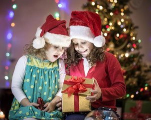 girls in christmas