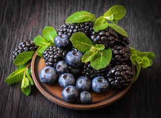 blackberries, blueberries, mint