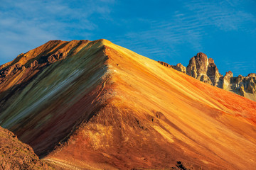 Tunupa volcano colors