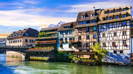 Fototapete - Beautiful romantic old town of Strasbourg  -