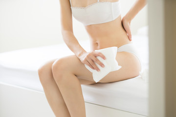 women low back pain during menstruation