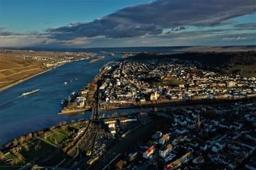 Burgen und Dörfer am Rhein