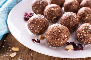 Almond cranberry energy balls